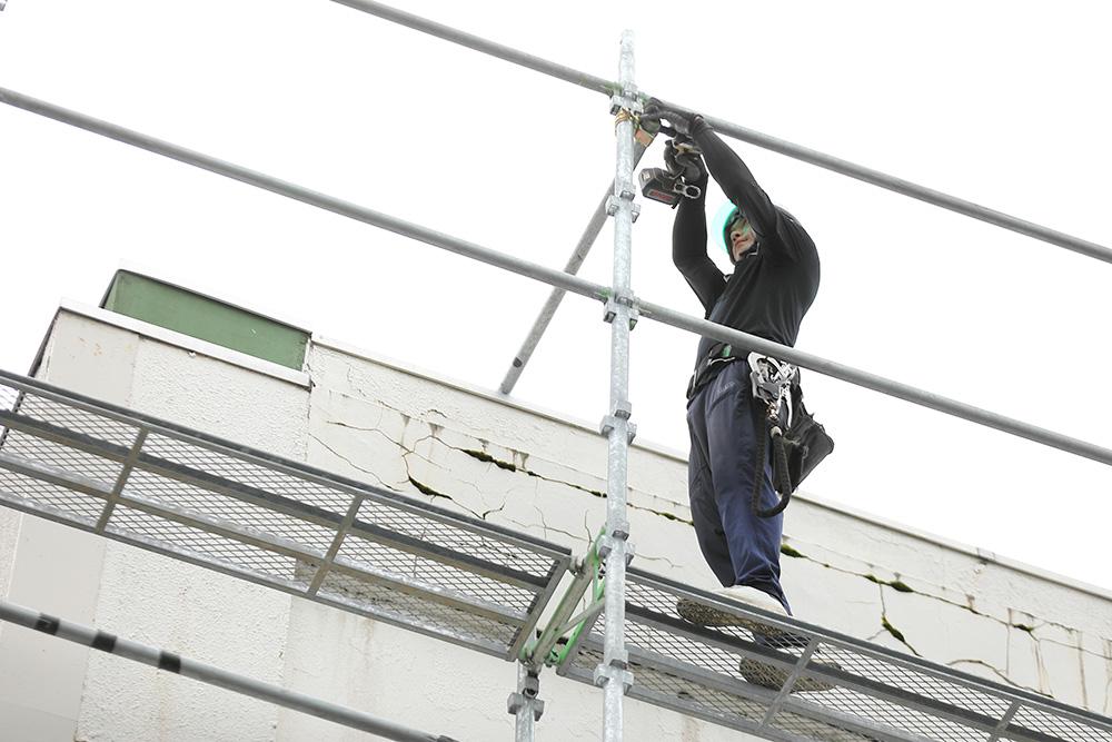秋田県で足場工事のホームページ制作用の撮影を行いました。