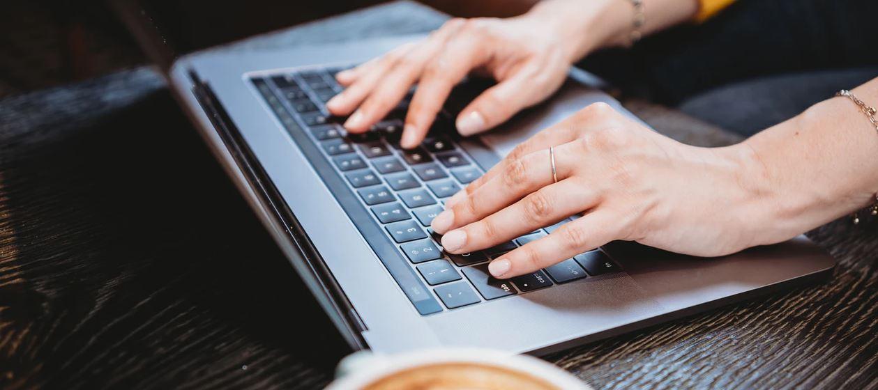 ツール活用は必須!ホームページ制作で必要なSEOキーワードの見つけ方