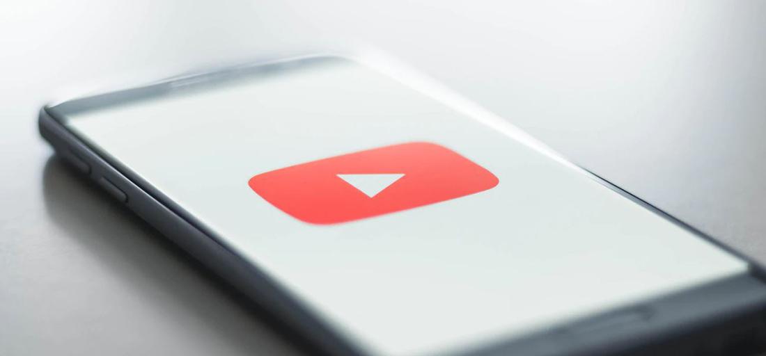 徹底解説!ホームページ制作に動画を取り入れる7つのメリットと5つのデメリット