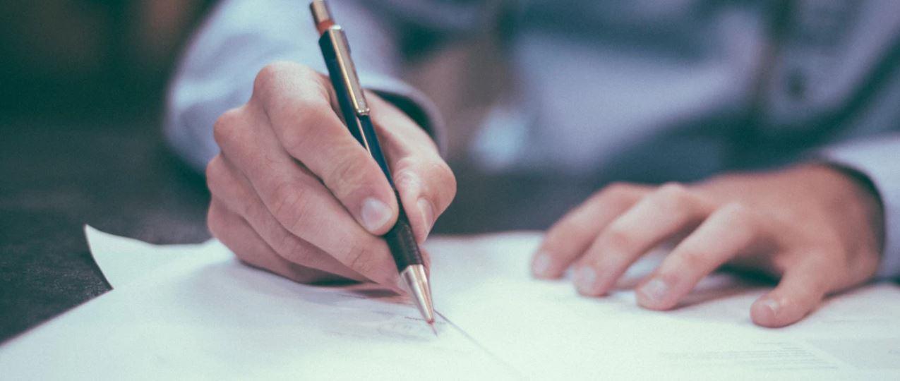 ビジネスマナーで必須の署名!Outlookでの設定方法を解説